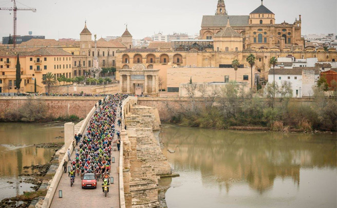Tiago Ferreira y Raiza Goulao, líderes de la tercera etapa de la Andalucía Bike Race 2017