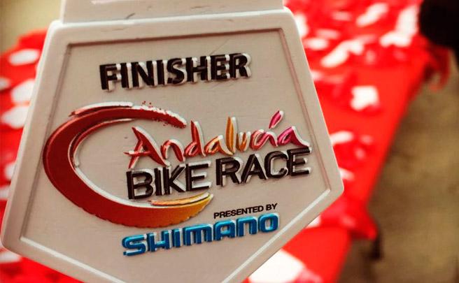 Tiago Ferreira y Raiza Goulao, campeones de la Andalucía Bike Race 2017