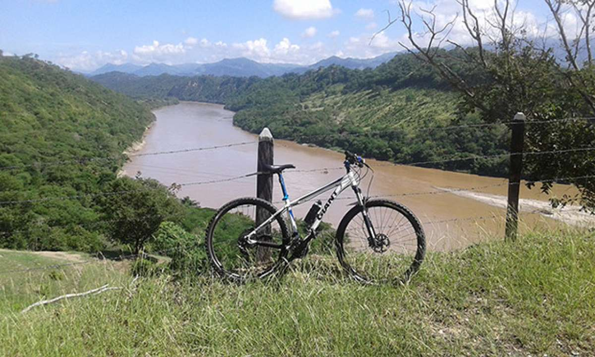 """La foto del día en TodoMountainBike: """"A orillas del río Magdalena"""""""