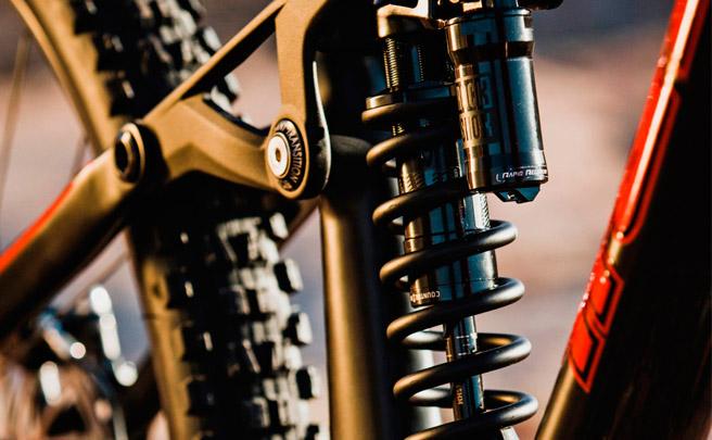 RockShox Super Deluxe Coil, nuevos amortiguadores de muelle con ajuste de rebote, compresión y mando remoto