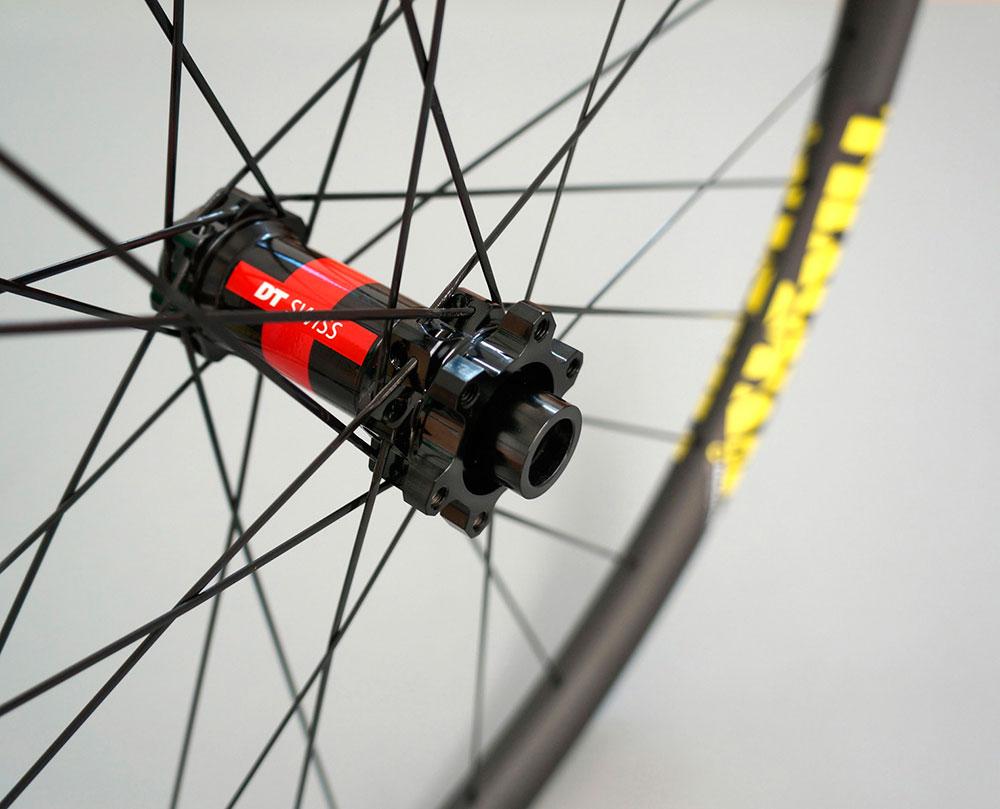 En TodoMountainBike: Ruedas de carbono de alto rendimiento a precio ajustado con la gama Trackstar XC Premium