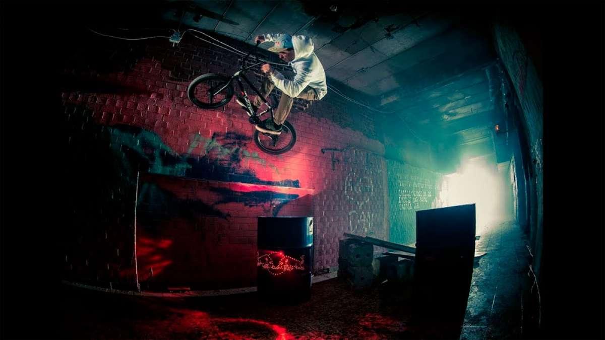 Terrorífica sesión de BMX en Teufelsberg (Berlín) con Bruno Hoffmann