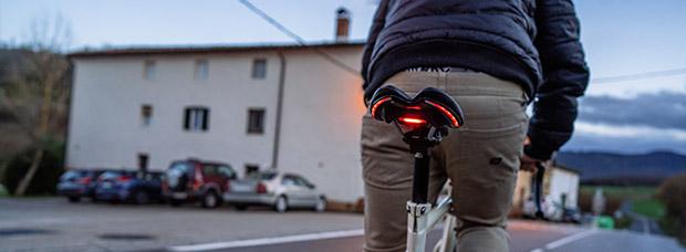 BLINK!, sillines con sistema de señalización e iluminación integrado para mejorar la seguridad de los ciclistas