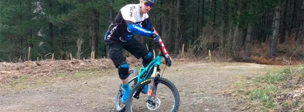 Aprendiendo técnicas de Mountain Bike con Markel Uriarte: el equilibrio