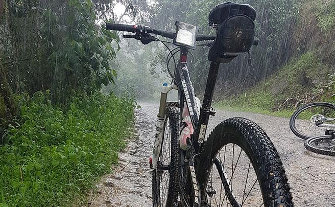 La foto del día en TodoMountainBike: 'Día de lluvia en Tibacuy'