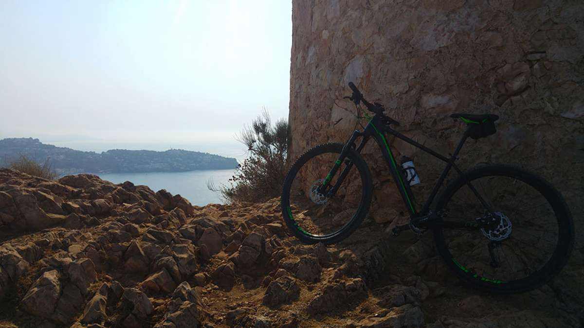 """La foto del día en TodoMountainBike: """"Torre vigía de Cerro Gordo"""""""