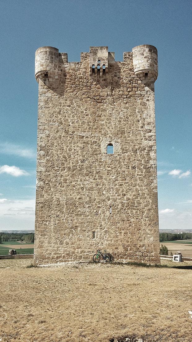 En TodoMountainBike: La foto del día en TodoMountainBike: 'Torre blanca de ajedrez'