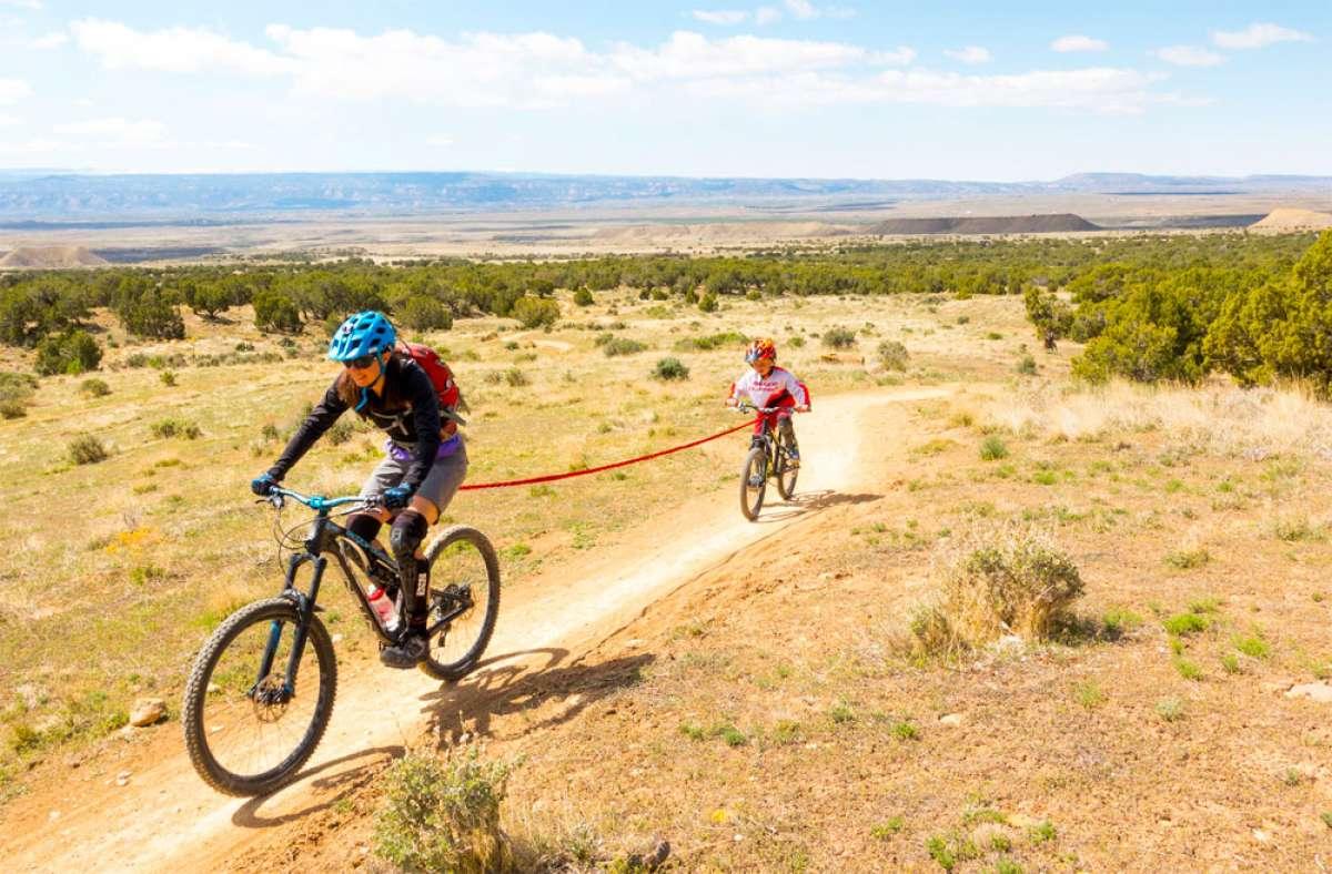 TowWhee, una cuerda para remolcar en bicicleta a los más pequeños... o a un compañero de ruta fatigado