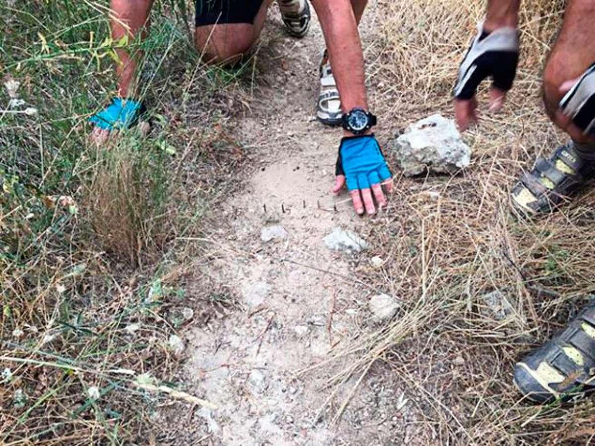Alerta en Cataluña: trampas para ciclistas en los senderos de Sant Martí Sarroca (Barcelona)