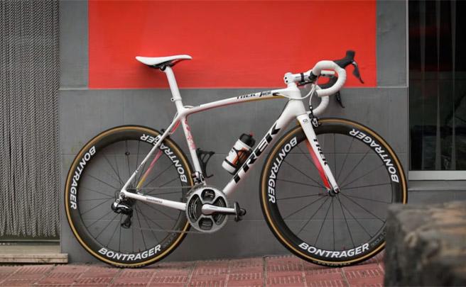 Así es la Trek Émonda en edición especial Celebración de las Grandes Vueltas de Alberto Contador