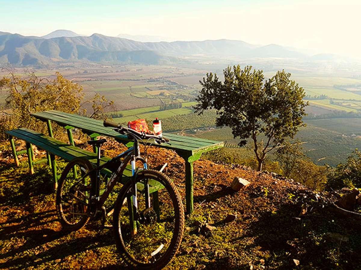 La foto del día en TodoMountainBike: 'Subiendo el valle de Carmen Bajo'