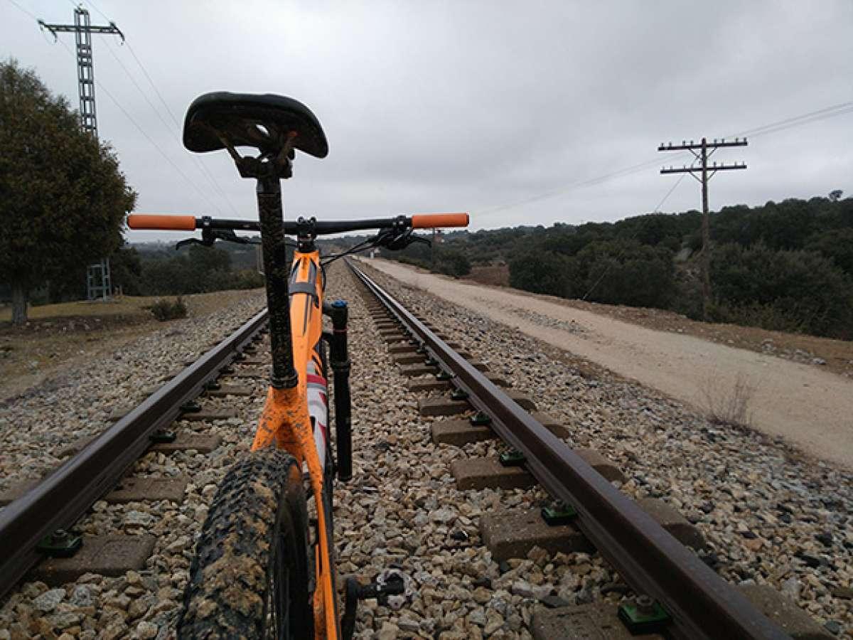 """La foto del día en TodoMountainBike: """"En las vías del tren"""""""