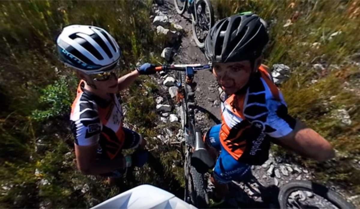 La brutal caída de Sabine Spitz en la primera etapa de la Cape Epic 2017, en un vídeo de 360º