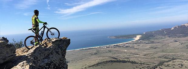 La foto del día en TodoMountainBike: 'Con vistas a Bolonia (Cádiz)'