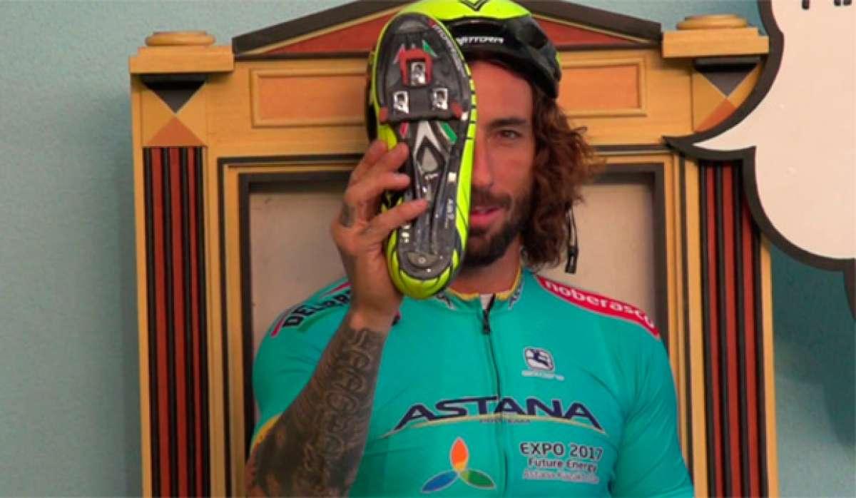 En TodoMountainBike: Vittorio Brumotti presumiendo de técnica con pedales automáticos sobre una bici de carretera
