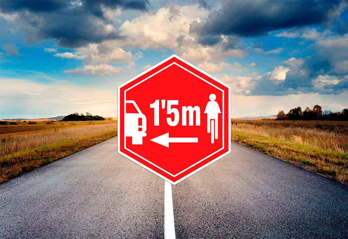 Un conductor borracho arrolla mortalmente a una familia ciclista en una carretera de León y se da a la fuga