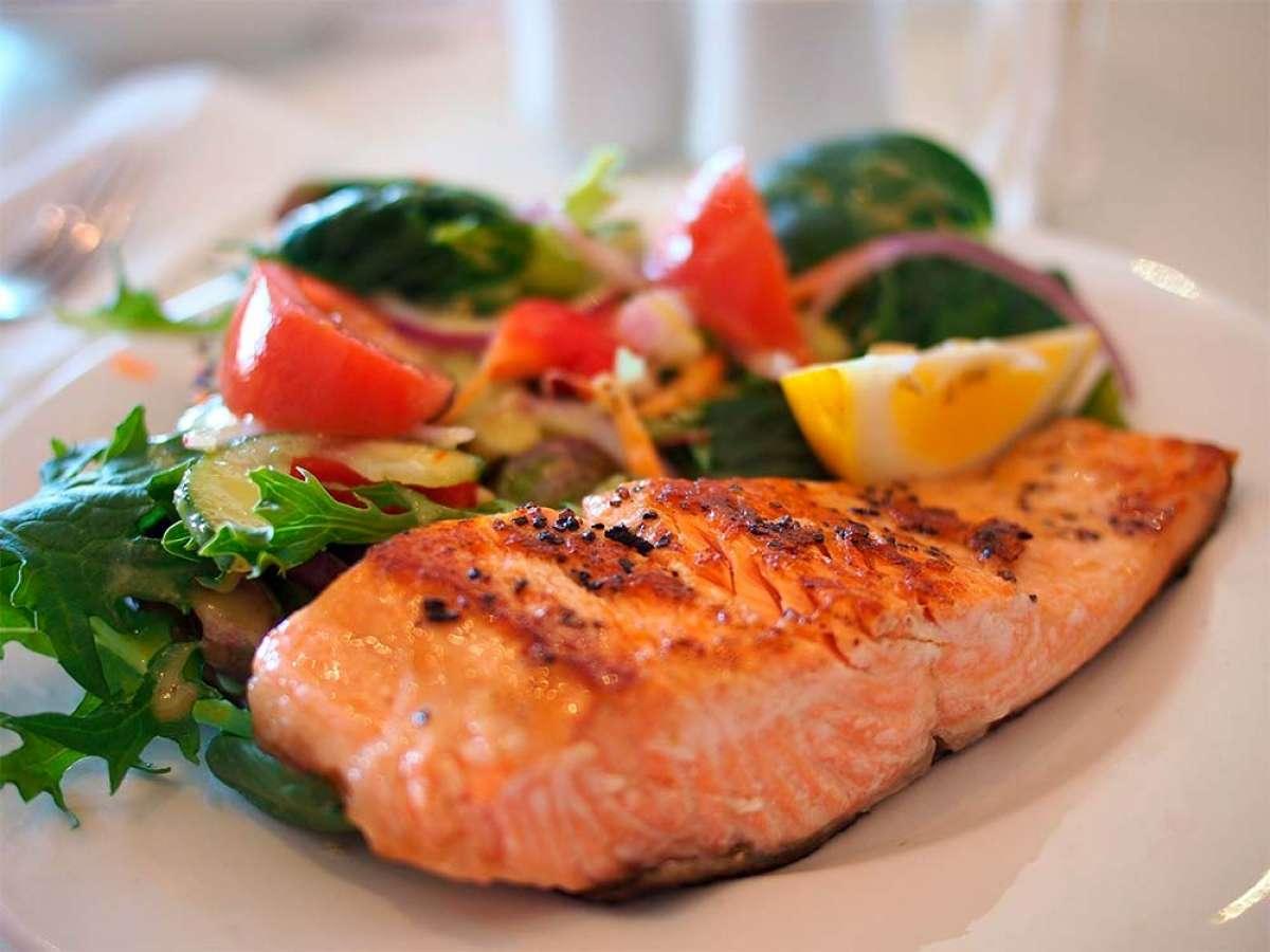 Los alimentos a vigilar para prevenir infecciones intestinales cuando se sale a competir fuera de casa