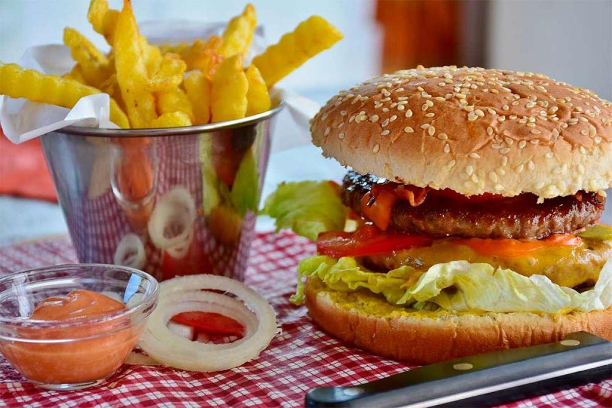 ¿Pueden los alimentos causar depresión? Sí, y estos son los que se deberían evitar