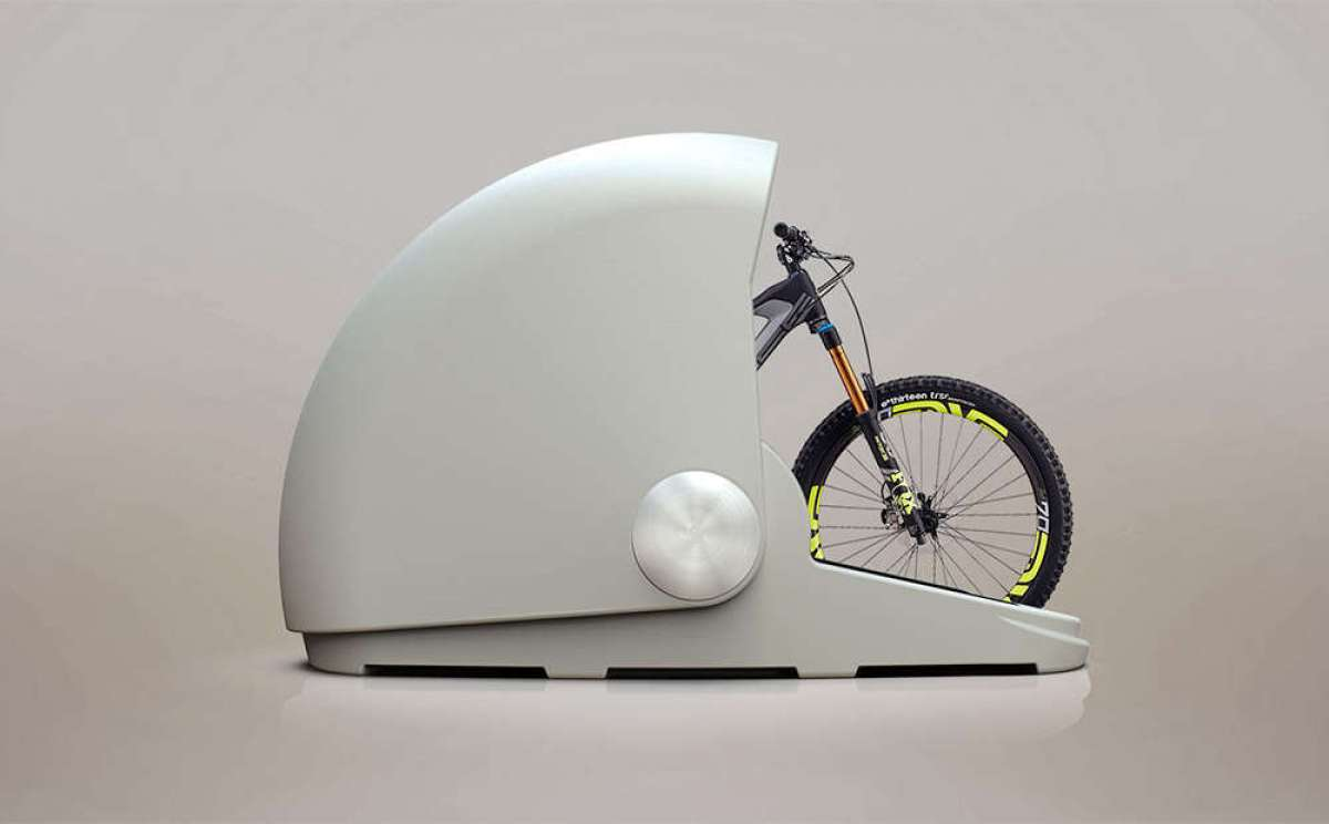 En TodoMountainBike: Alpen Bike Capsule, una caja fuerte de aspecto futurista para guardar la bicicleta