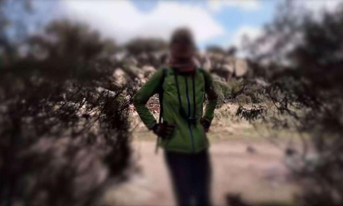 Álvaro Hernández, uno de los socios de TrackMTB, pilla 'in fraganti' a una mujer poniendo trampas en el monte