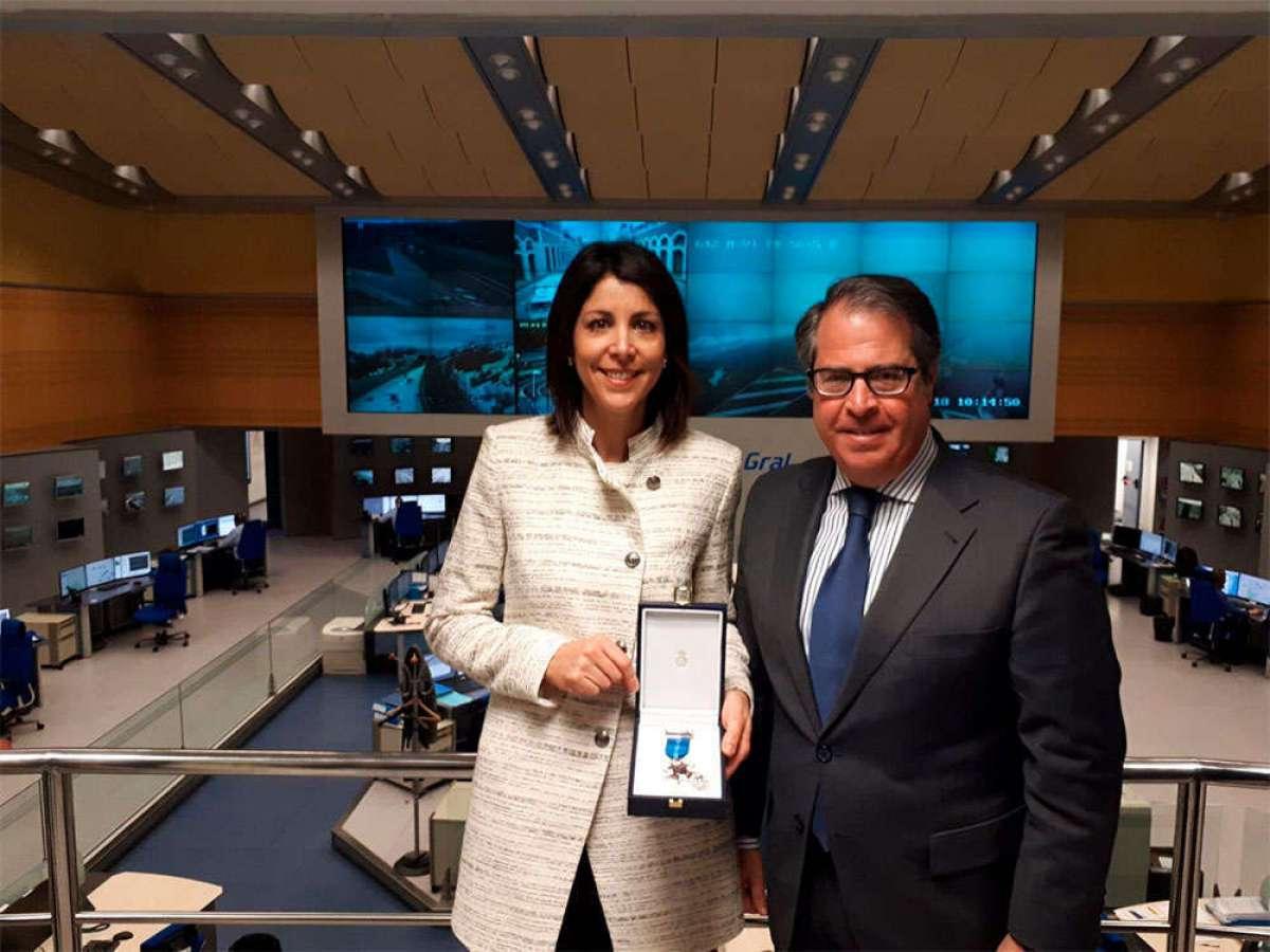 Anna González, impulsora del movimiento #PorUnaLeyJusta, recibe la medalla al Mérito de la Seguridad Vial
