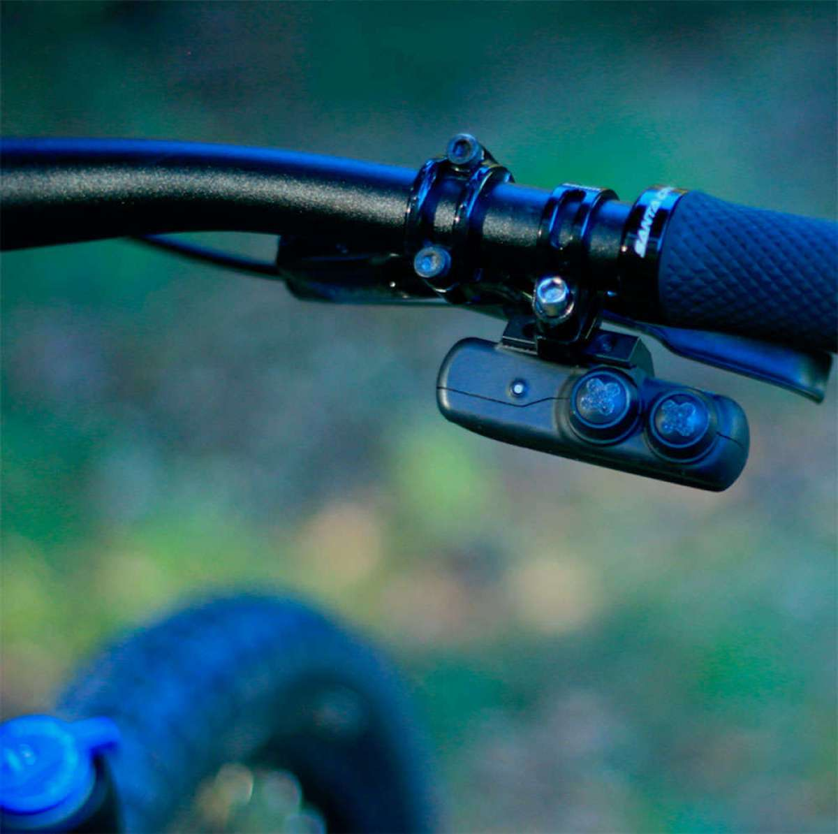 A la venta Archer D1x, un kit que convierte una transmisión mecánica en una transmisión electrónica e inalámbrica