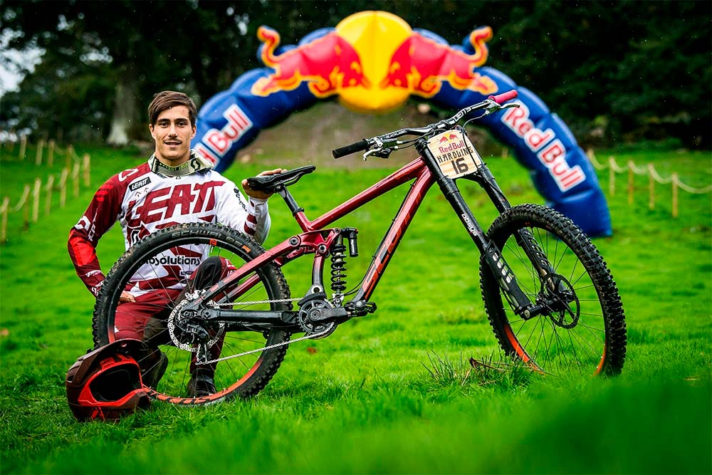 En TodoMountainBike: Las bicicletas de los 10 mejores corredores de la Red Bull Hardline 2018
