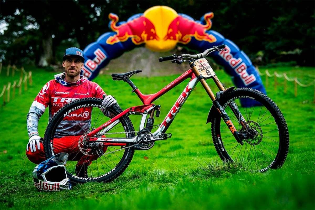 Las bicicletas de los 10 mejores corredores de la Red Bull Hardline 2018