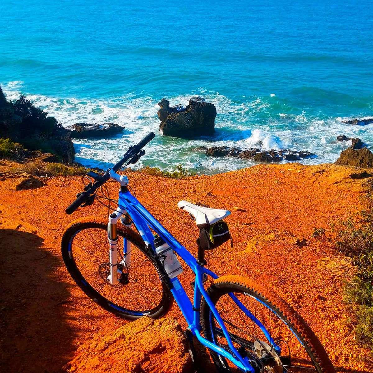 En TodoMountainBike: La foto del día en TodoMountainBike: 'Calas de Roche (Cádiz)'