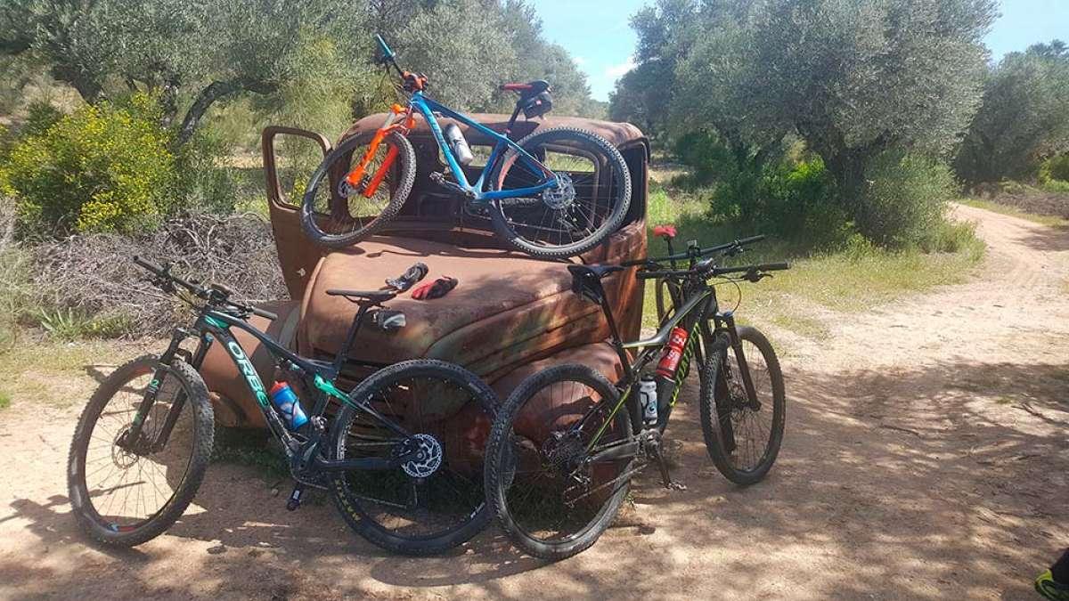"""En TodoMountainBike: La foto del día en TodoMountainBike: """"Camión abandonado"""""""