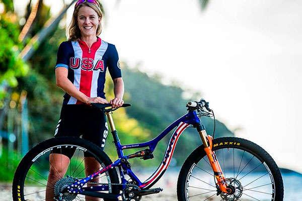 """Chloe Woodruff: """"Quiero terminar la Andalucía Bike Race 2018 sabiendo que puedo sobrevivir a la exigencia de competir día tras día"""""""