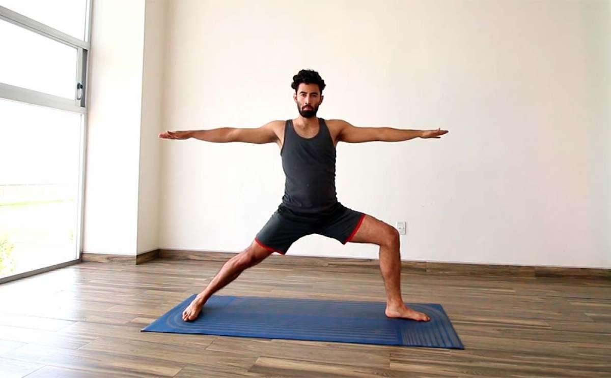 Clase de yoga de 30 minutos para aumentar la flexibilidad de las piernas, tobillos y espalda