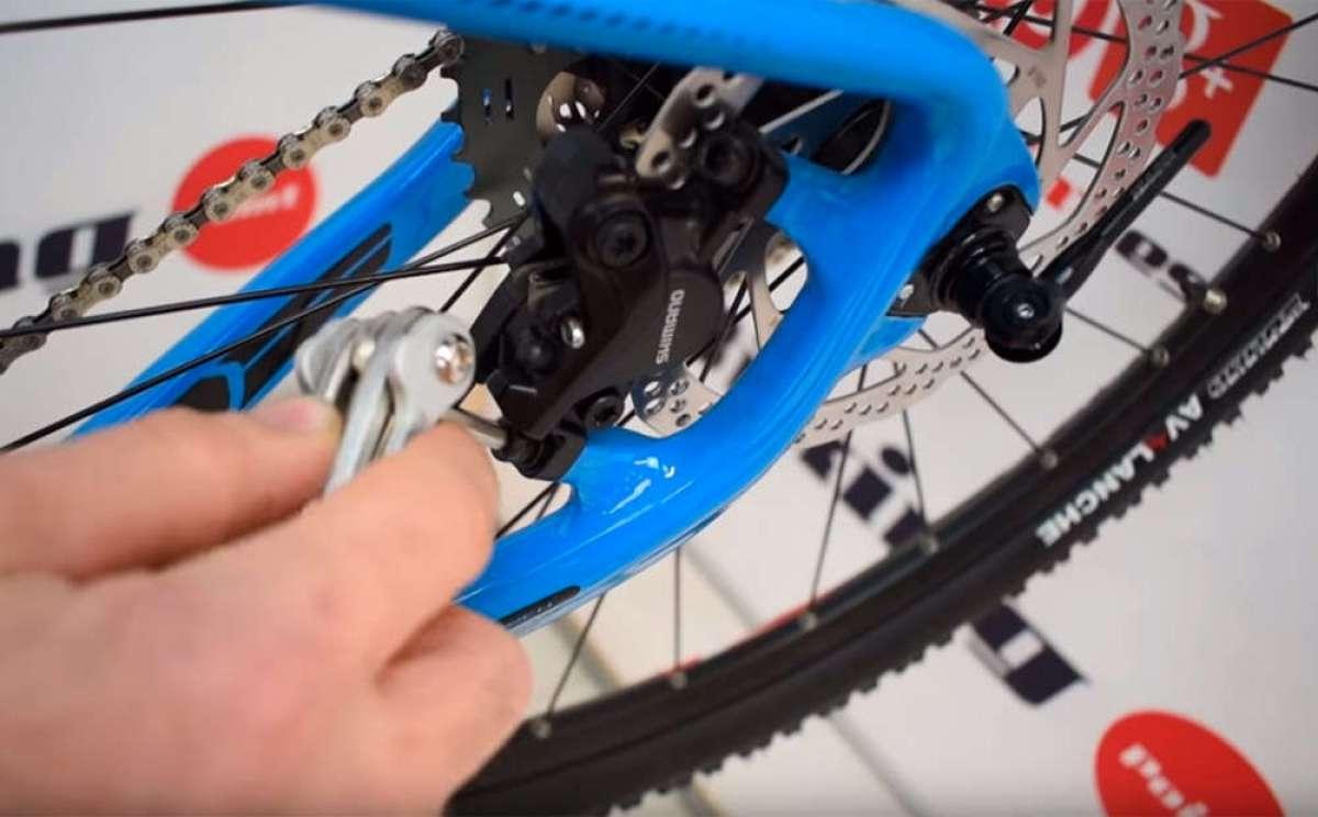 ¿Cómo ajustar la pinza del freno en plena ruta? Biking Point lo explica