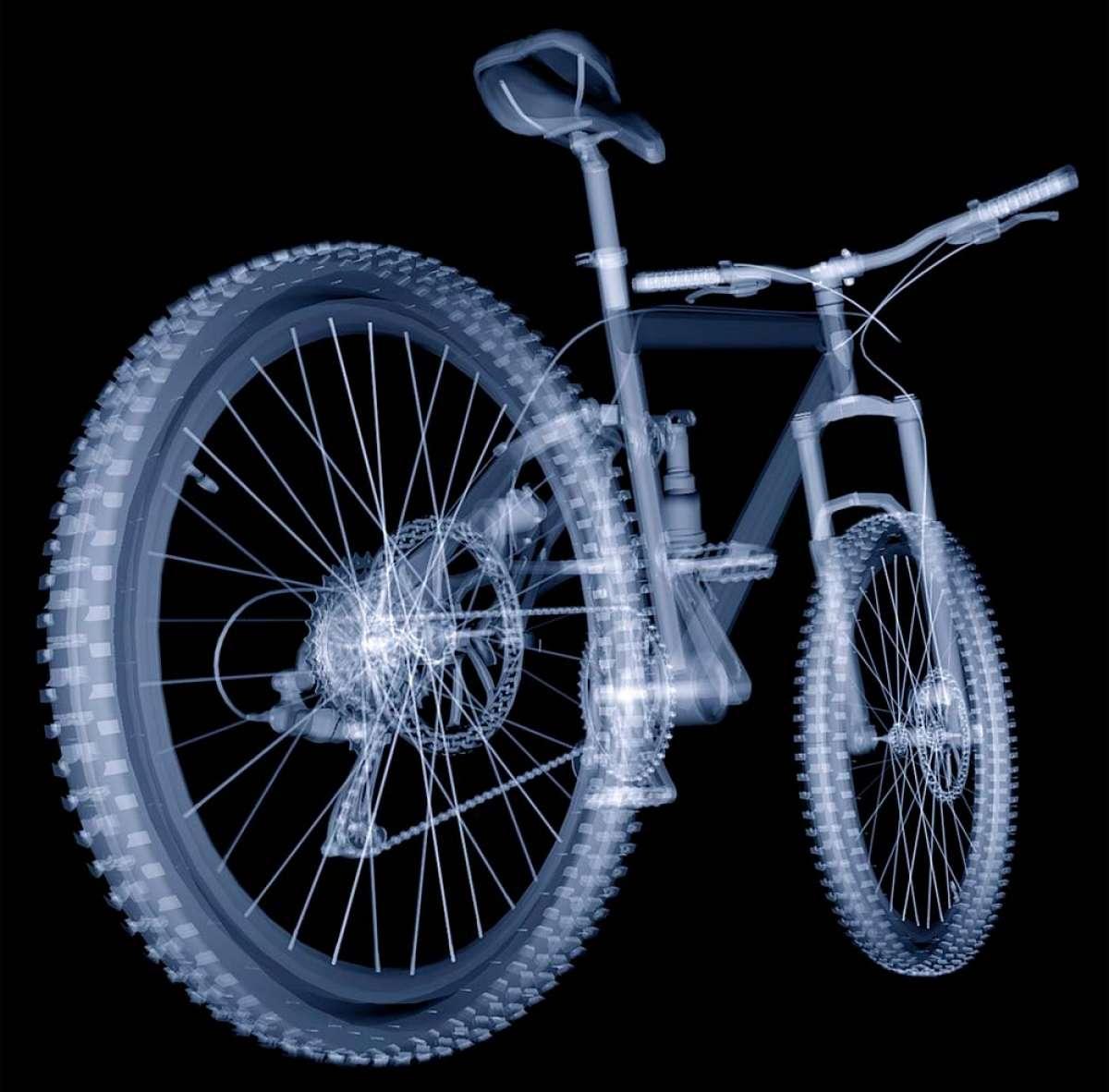 ¿Cómo alargar la vida de los cambios y las suspensiones de una bicicleta? Con dos sencillos hábitos