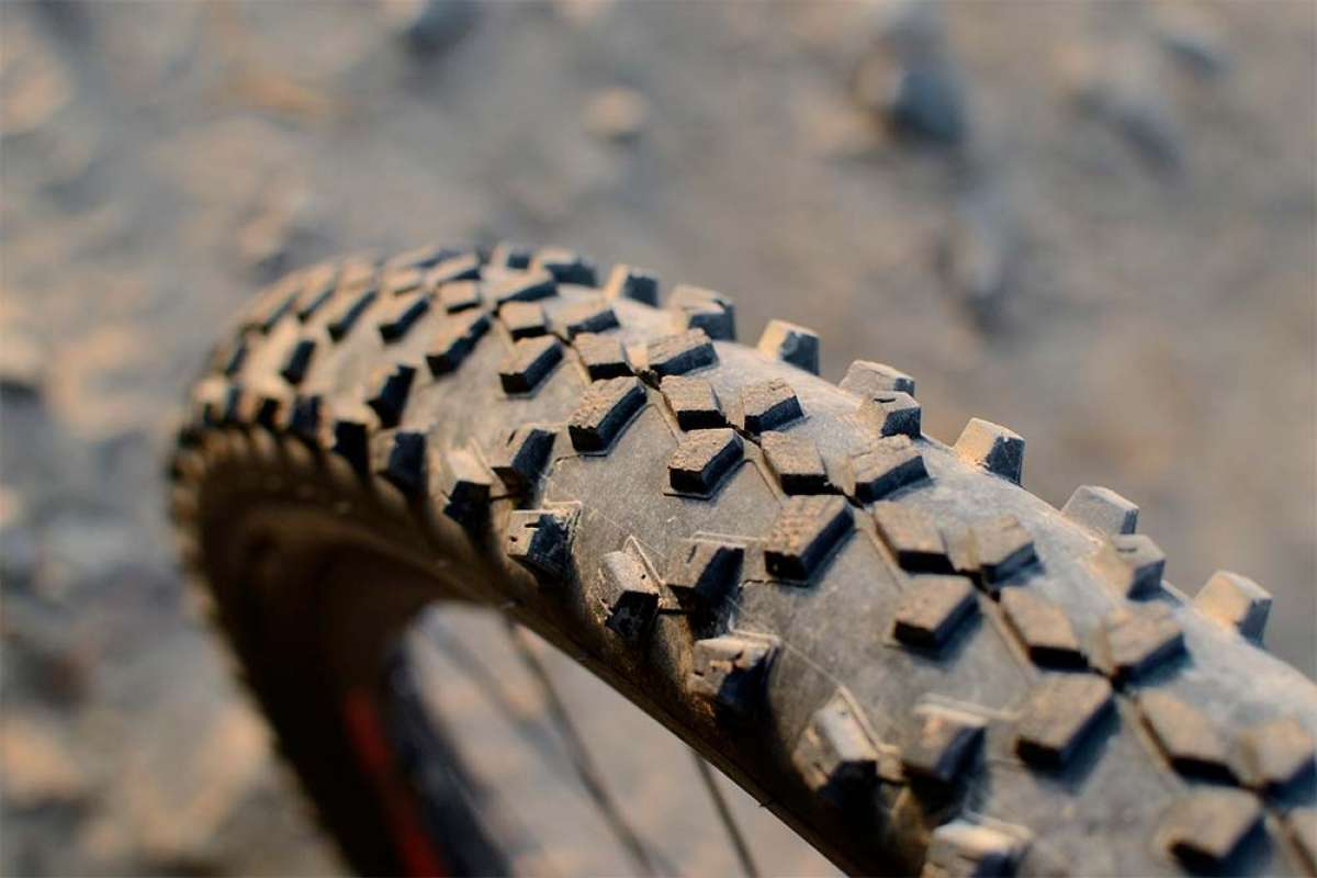 En TodoMountainBike: ¿Qué ancho de neumático elegir para la bicicleta? Lo que hay que tener en cuenta