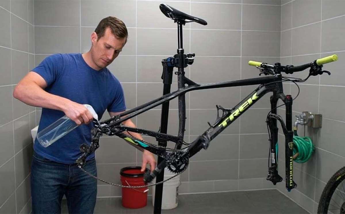 En TodoMountainBike: ¿Cómo limpiar correctamente una bicicleta? Trek Bikes lo explica