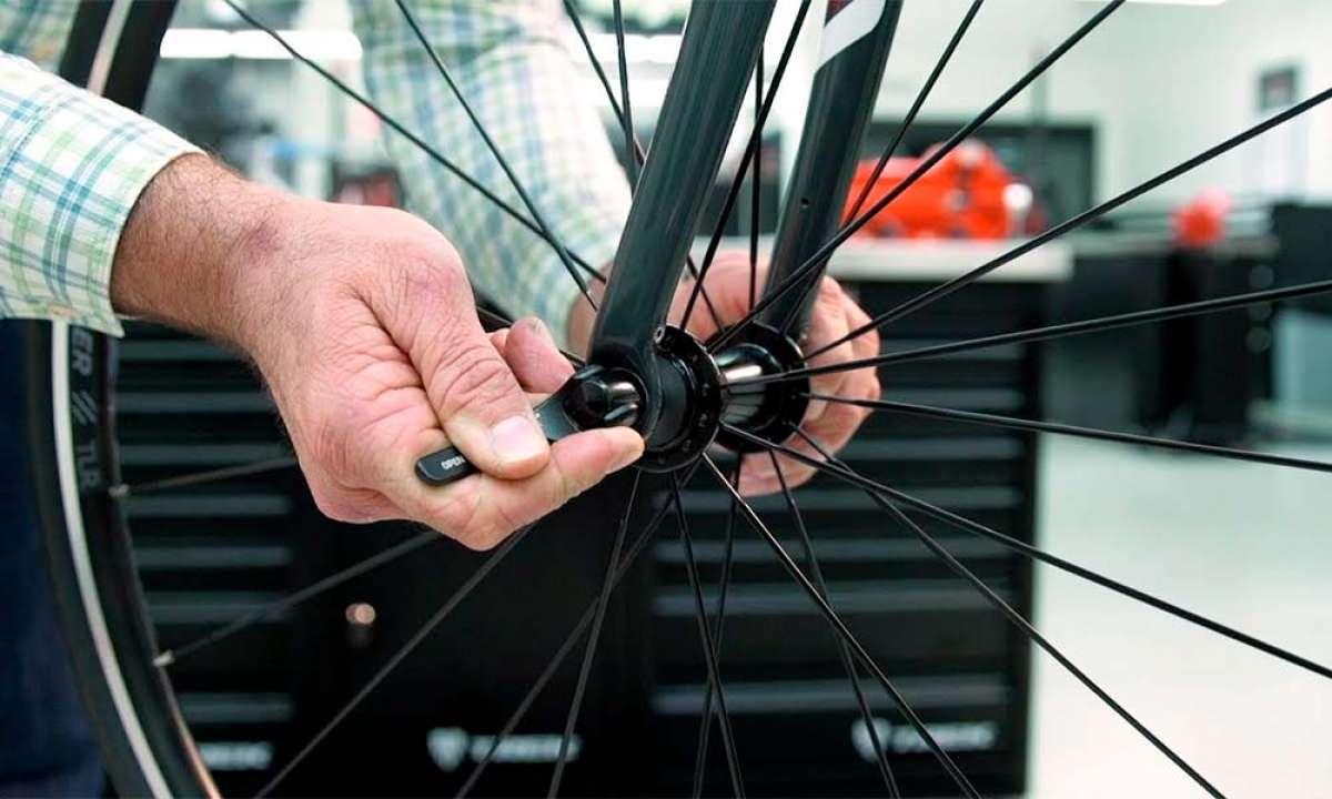 ¿Cómo montar y desmontar las ruedas de una bicicleta? Trek Bikes lo explica