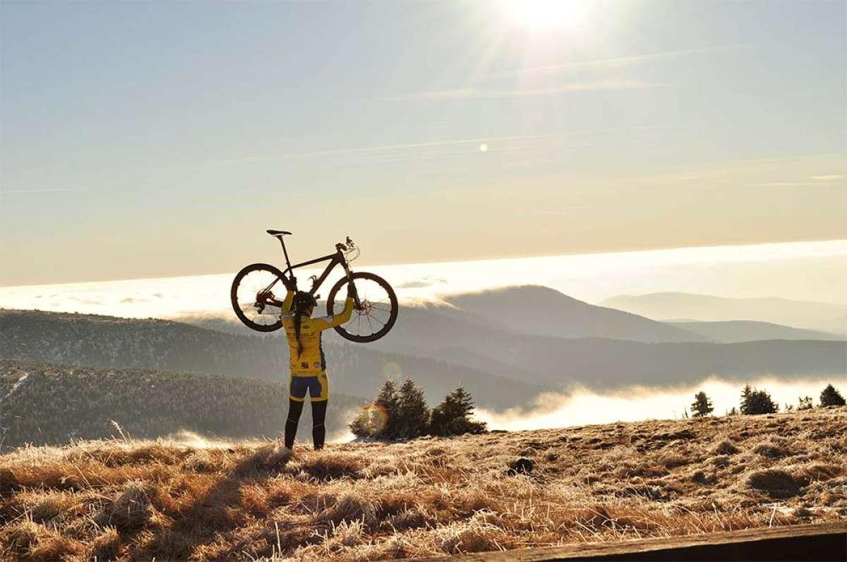 En TodoMountainBike: ¿Dónde reducir el peso de una bicicleta? Los cuatro componentes clave para quitar gramos y mejorar el rendimiento