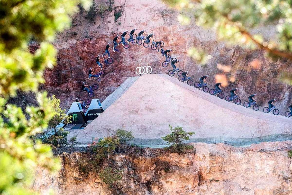 Dawid Godziek consigue realizar el primer cuádruple tailwhip sobre una bicicleta de montaña en los Audi Nines MTB 2018