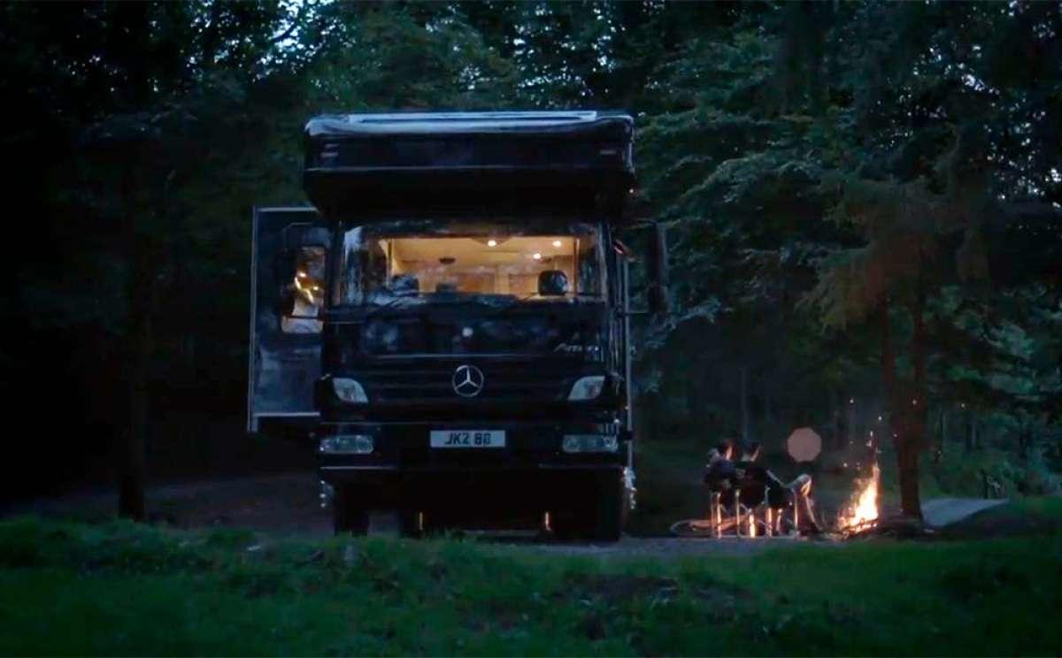De viaje con Danny MacAskill y compañía en una gigantesca y recién estrenada autocaravana