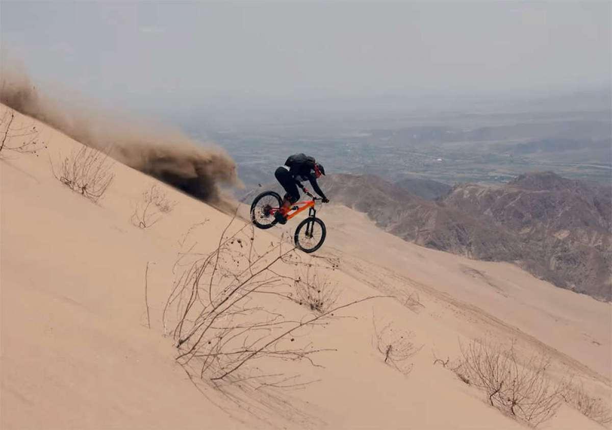 Épico descenso de Kilian Bron por Cerro Blanco, una de las dunas más altas del planeta