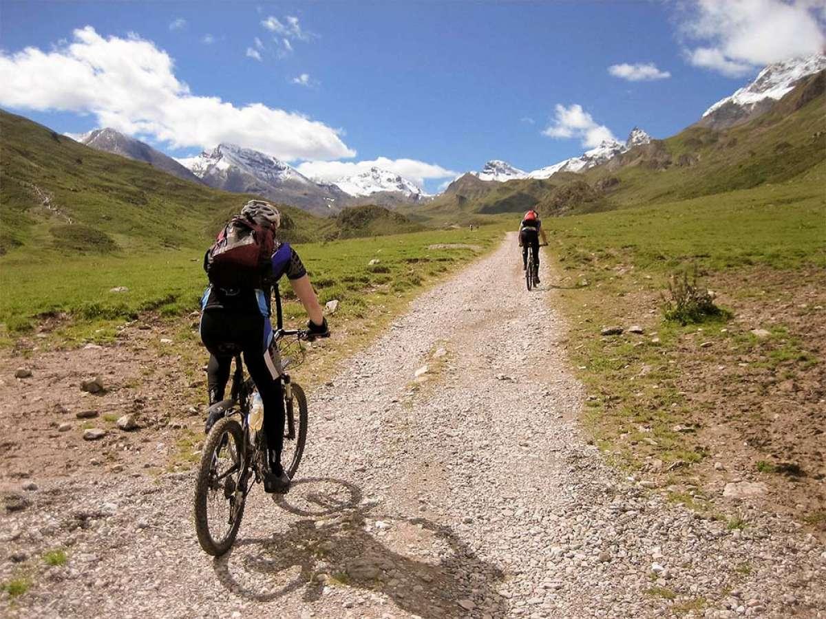En TodoMountainBike: Las diferencias entre el ejercicio aeróbico y anaeróbico y sus efectos en el ciclista