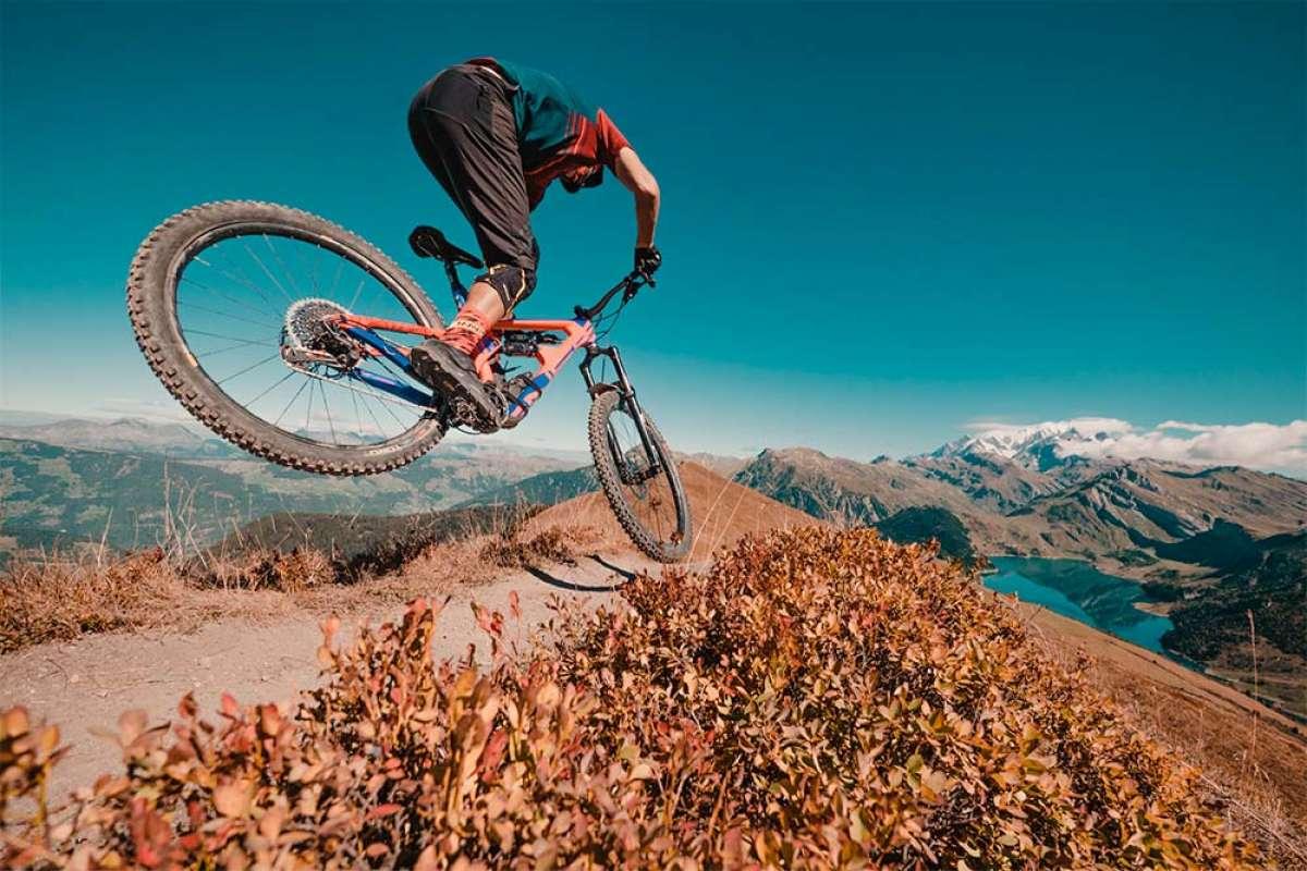 Kilian Bron lleva los vídeos de Mountain Bike a un nuevo nivel con 'Drone Revolution'