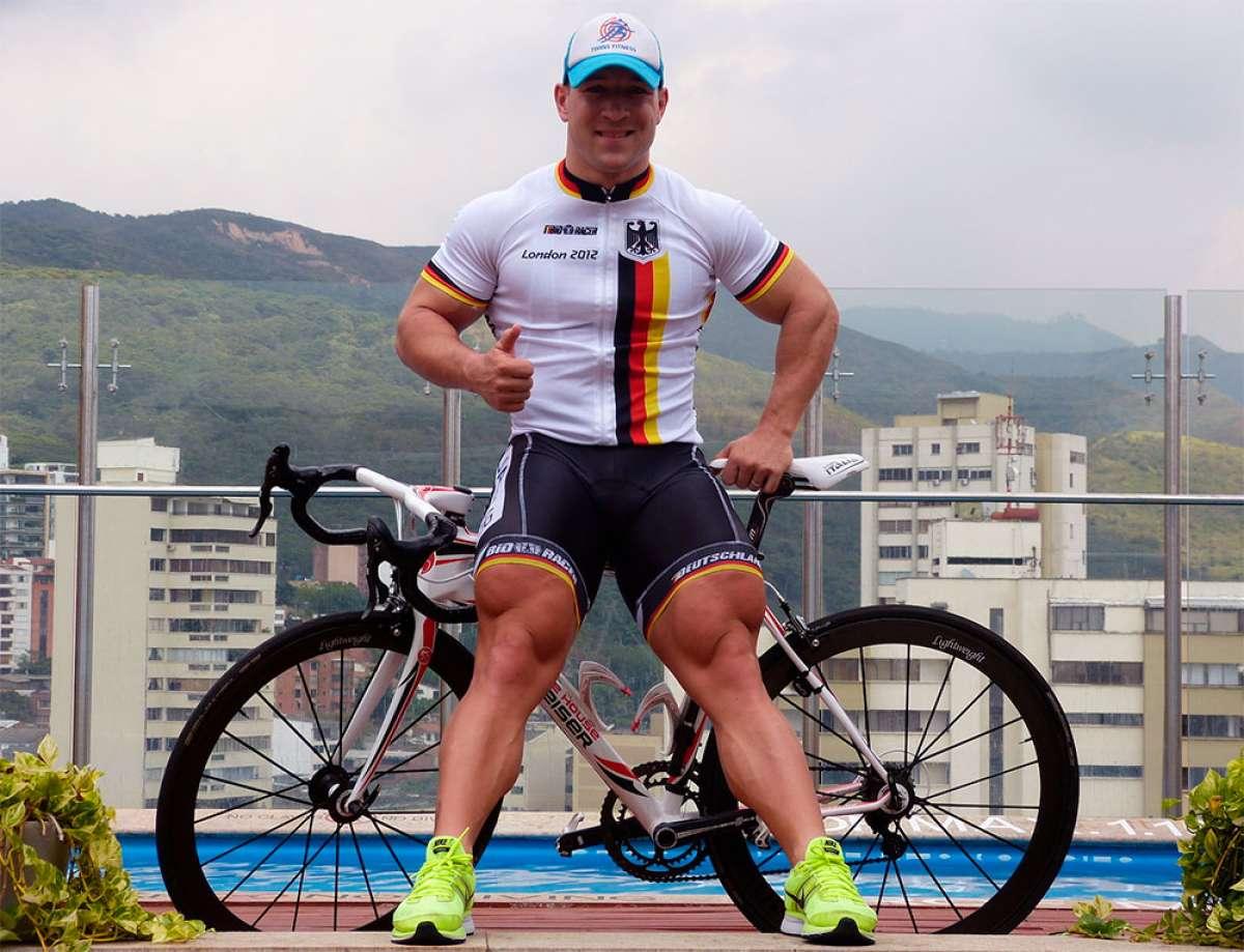 Tres ejercicios para corregir (y prevenir) desequilibrios musculares en las piernas de un ciclista