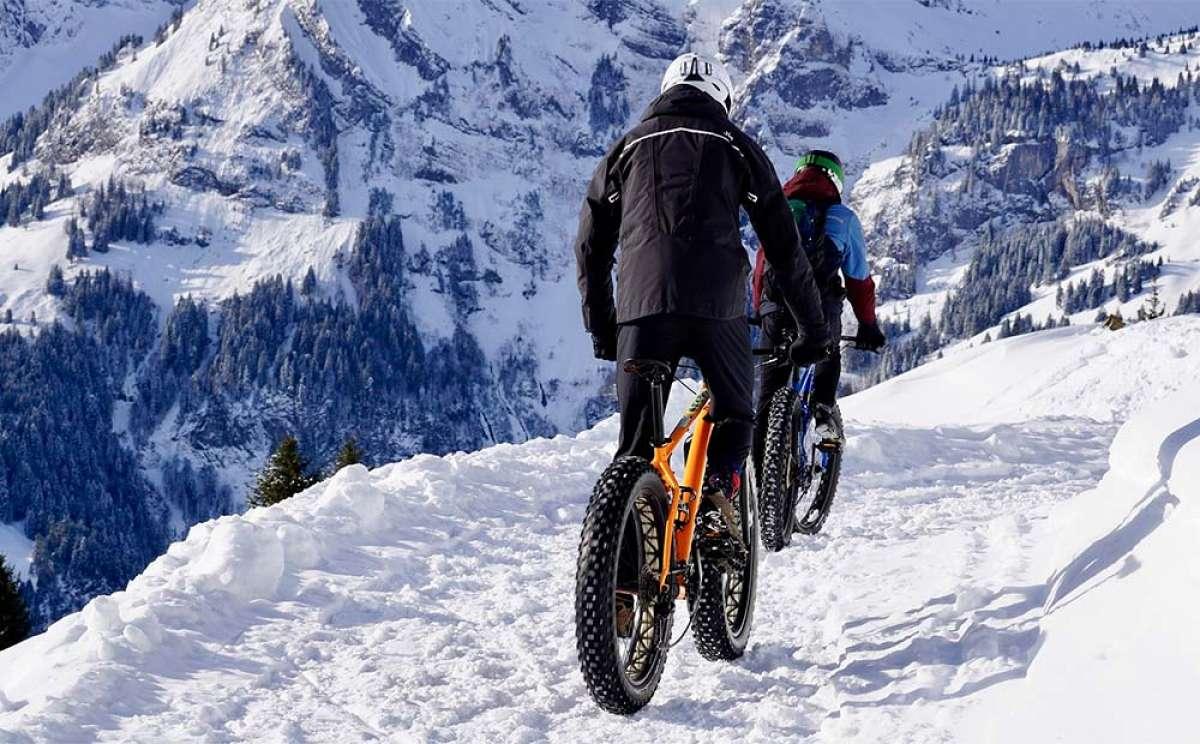 ¿Cómo se tiene que vestir un ciclista en invierno? Un repaso a la teoría de capas