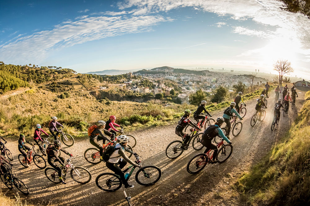 En TodoMountainBike: Un equipo femenino de 30 ciclistas amateurs en la Titan Desert by Garmin 2018 gracias a Doménica