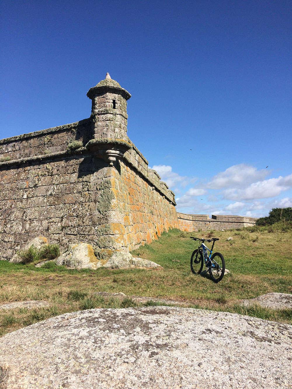 """La foto del día en TodoMountainBike: """"Fortaleza en el Parque Nacional de Santa Teresa"""""""