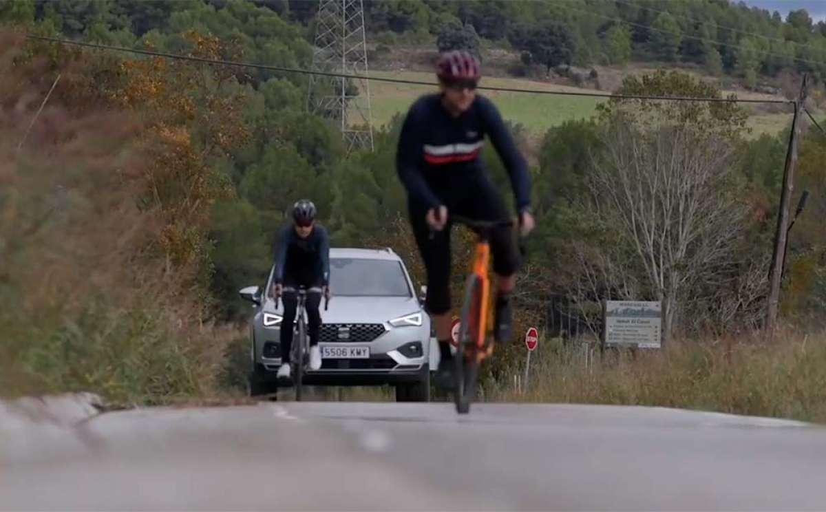Así funciona el asistente a la conducción del SEAT Tarraco, un coche que protege a los ciclistas