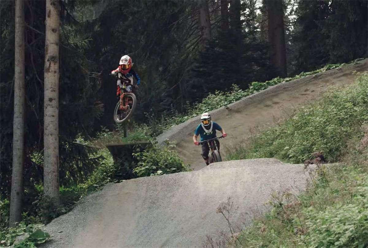 Mountain Bike en familia con la joven promesa Jackson Goldstone y su padre Ron