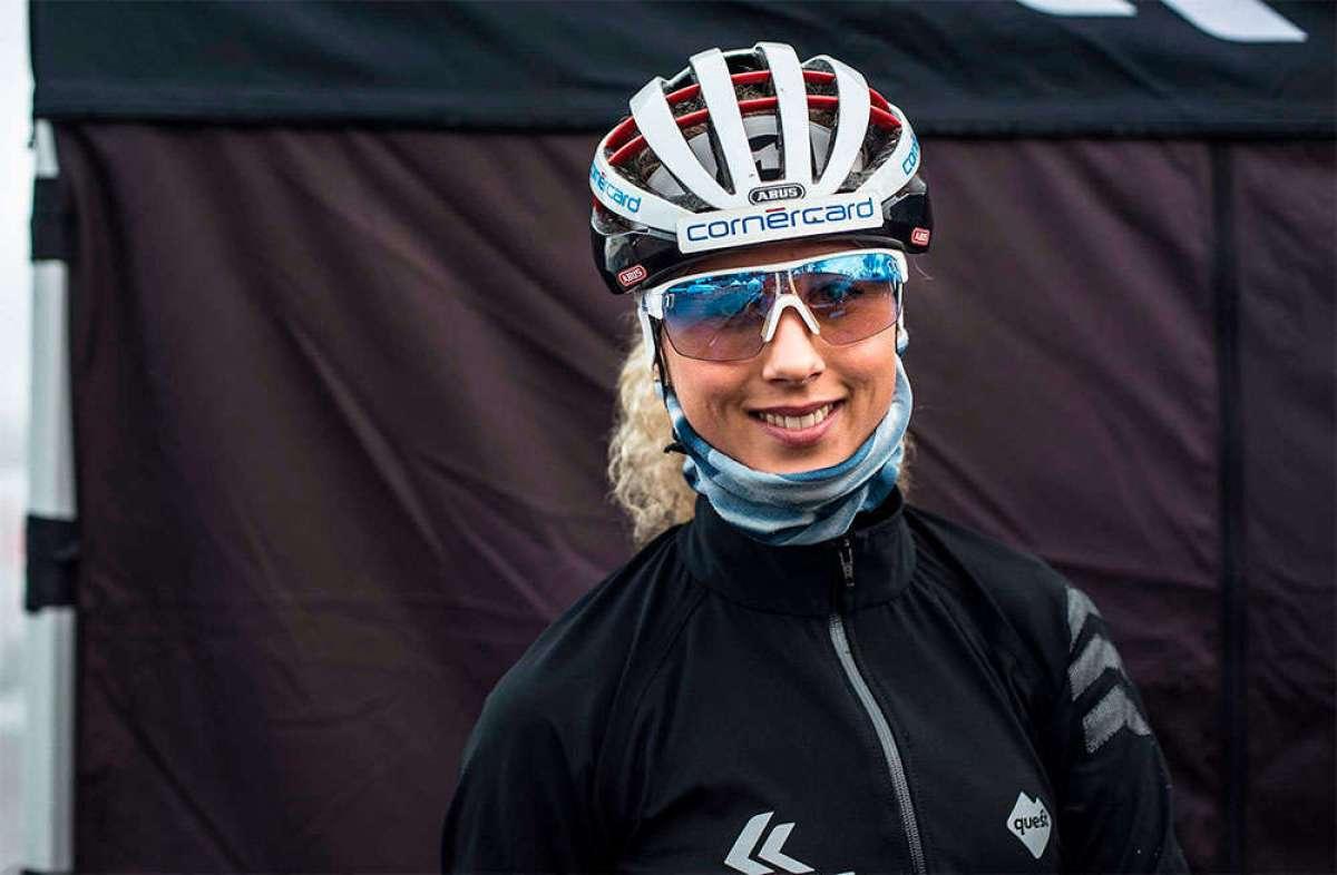 Jolanda Neff, con fractura de clavícula y codo tras una caída en la Copa del Mundo de CX disputada en Hoogerheide